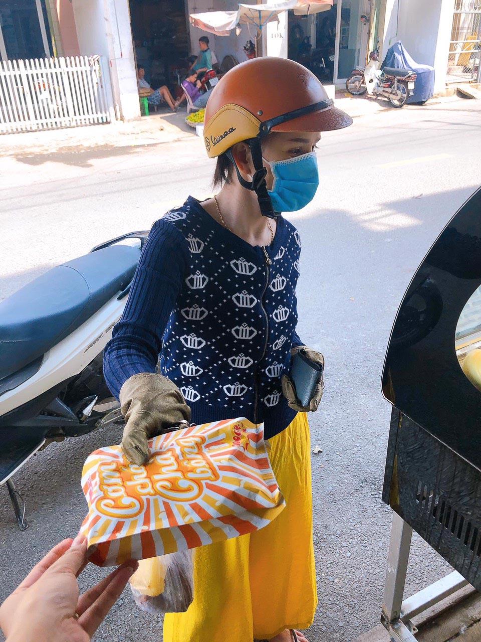 Cơm cháy chà bông Quốc Vinh tại Nha Trang